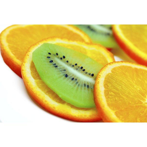 Orange slices with kiwi fruit