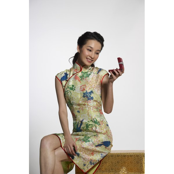 You may wear cheongsam dresses long or short, depending on the occasion and your body type.