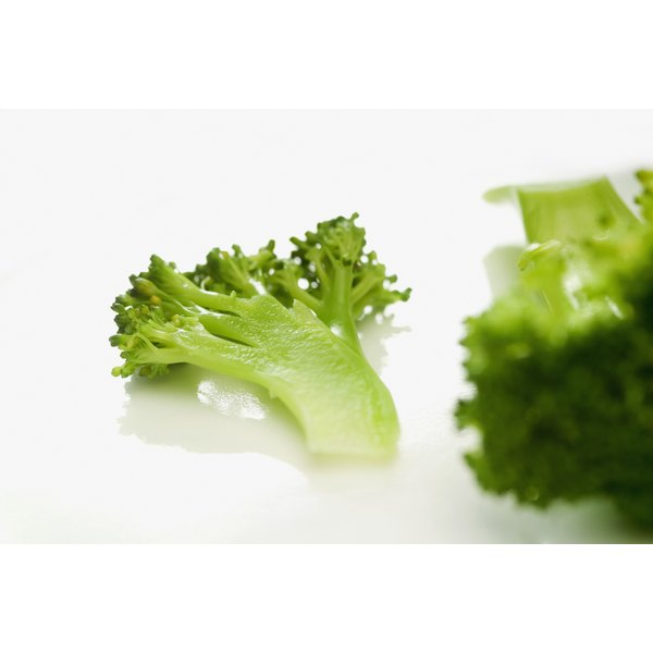 Foods such as broccoli can help to prevent night blindness.
