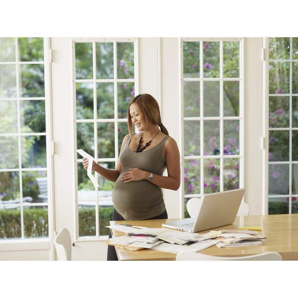 surrogate mother pros and cons