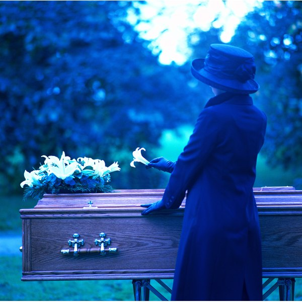 Funeral Etiquette For Widows Synonym