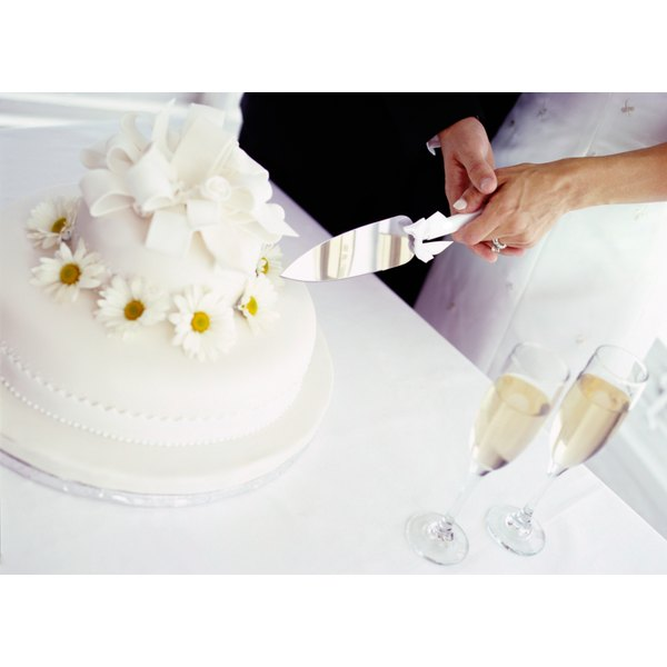 why does the couple cut wedding cake together why eat wedding cake one year later our everyday 27457