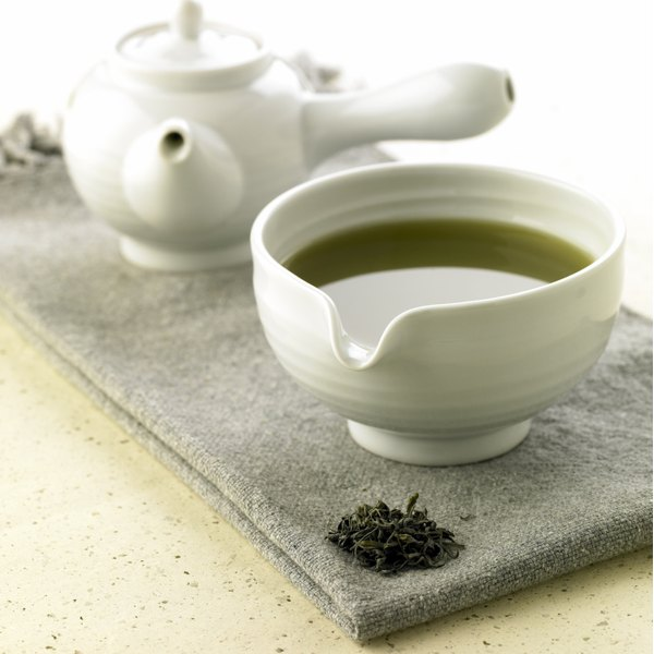 Decaffeinated green tea still has benefits.