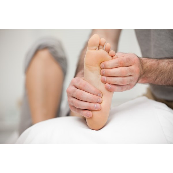 Ion cleanse detoxification involves the removal of toxins through the feet.