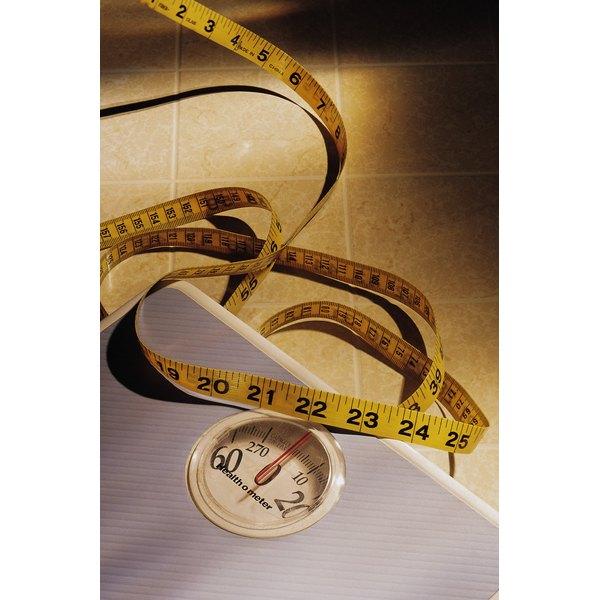 The Calories Burned Swimming Vs. Lifting Weights Vs