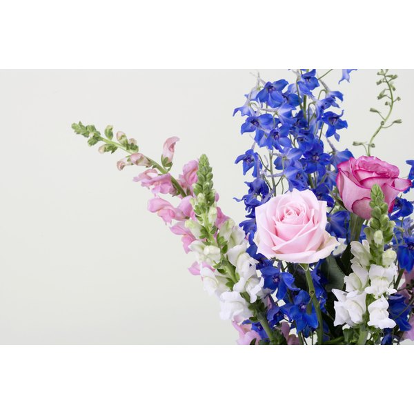 Making your own flower arrangement gives you creative freedom.
