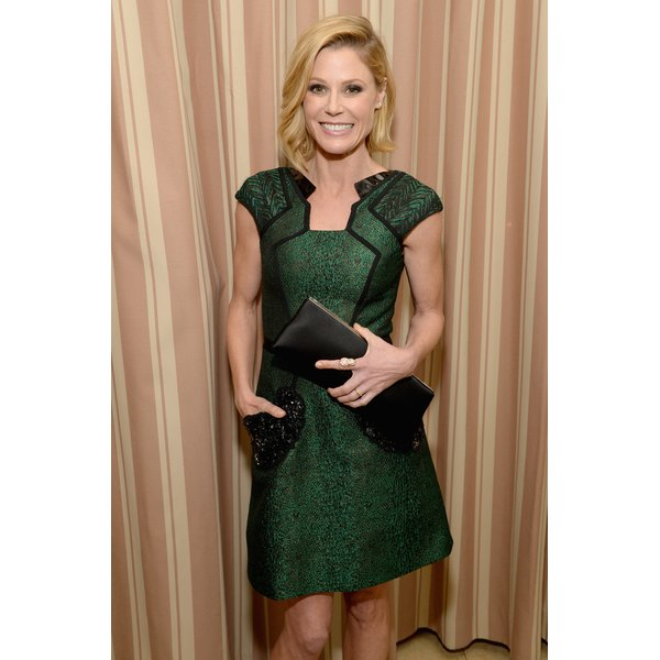 """Modern Family"" star Julie Bowen makes elegant style choices to keep her looking fab in her 40s."