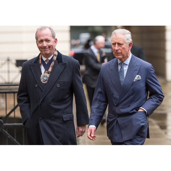 Prince Charles famously wears a cutaway collar with a narrower tie and small knot.