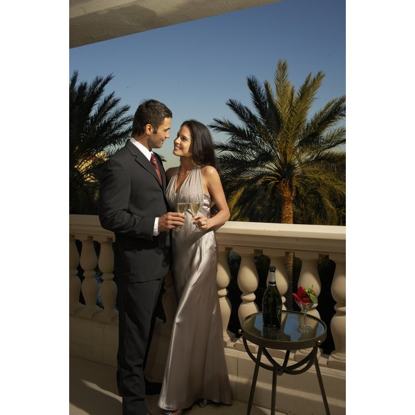 Formal Dinner Dress Etiquette | Our Everyday Life