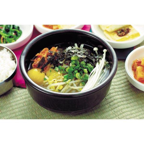 Ajitsuke tamago brings all the soup ingredients together.