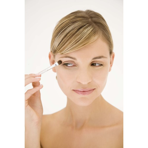 Make puffy eyes disappear with a few beauty boosting tips and tricks.