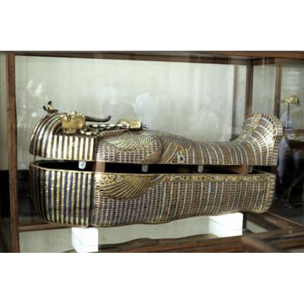 How did ancient egyptians decorate a sarcophagus for for Decorated synonym