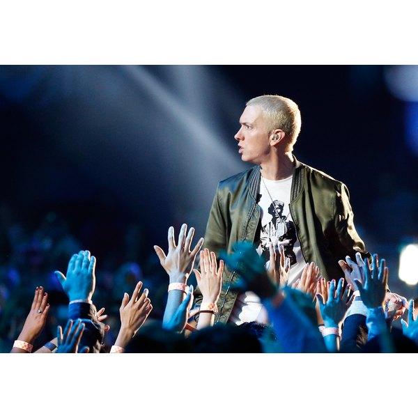 Eminem demonstrates his fresh fashion sense.
