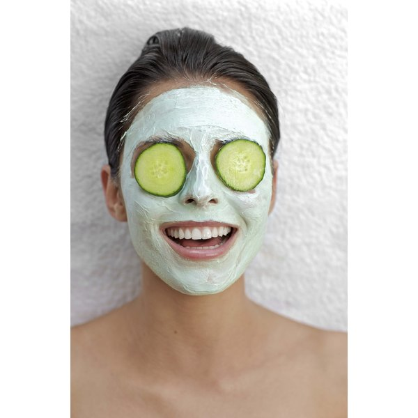 Cucumbers can freshen up and moisturize your skin.