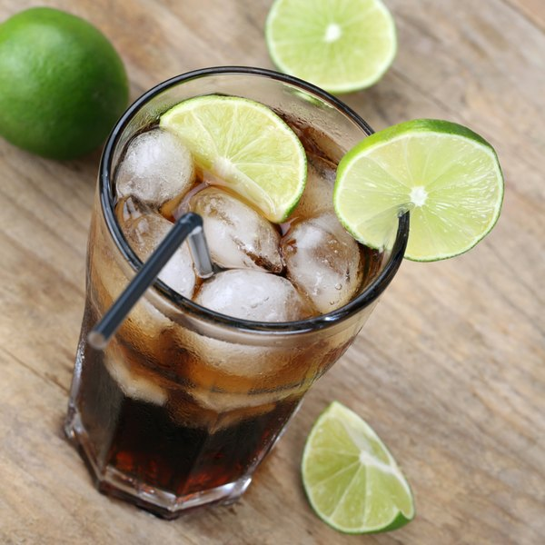 A diet cola with limes.