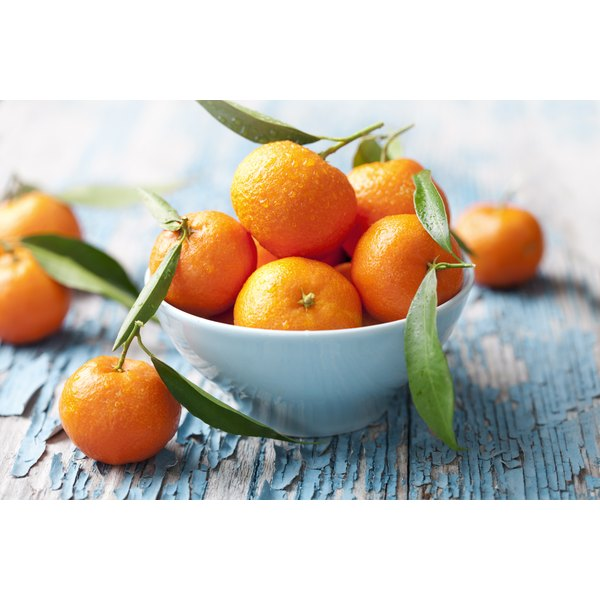 A bowl of tangerines.