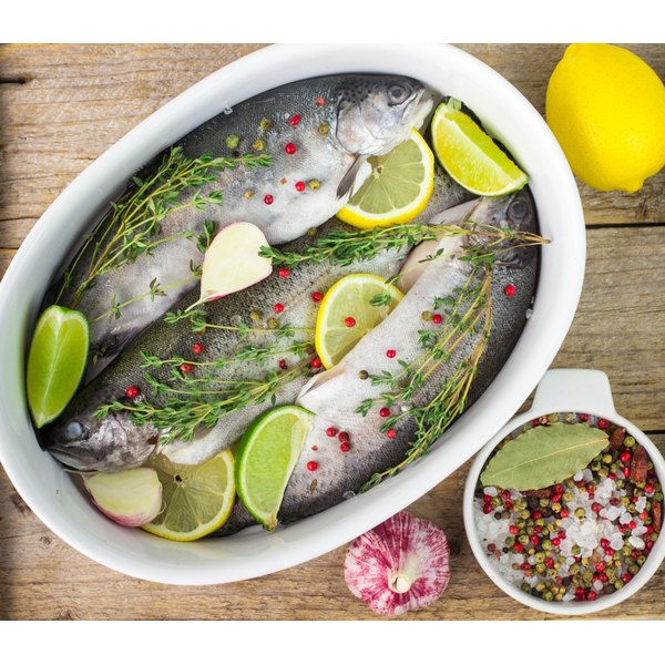 Fresh fish seasoned with bay leaves, citrus, salt and peppercorns.