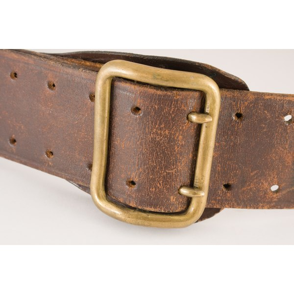 how to polish a brass belt buckle our everyday life. Black Bedroom Furniture Sets. Home Design Ideas