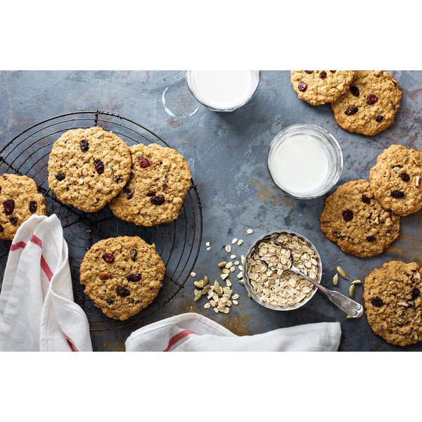 You probably have the ingredients for these healthy, easy-to-make oatmeal raisin cookies sitting right in your pantry.