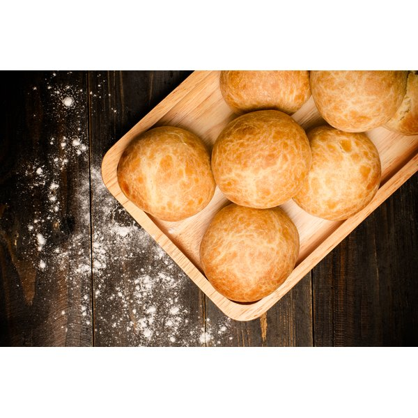 Can You Refrigerate Homemade Yeast Rolls to Bake the Next Day?