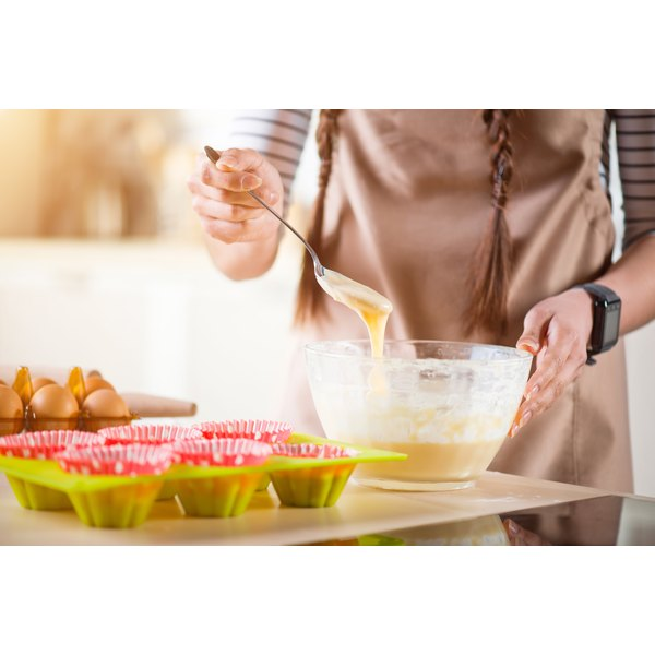 What Does Adding Applesauce to Cake Mix Do?