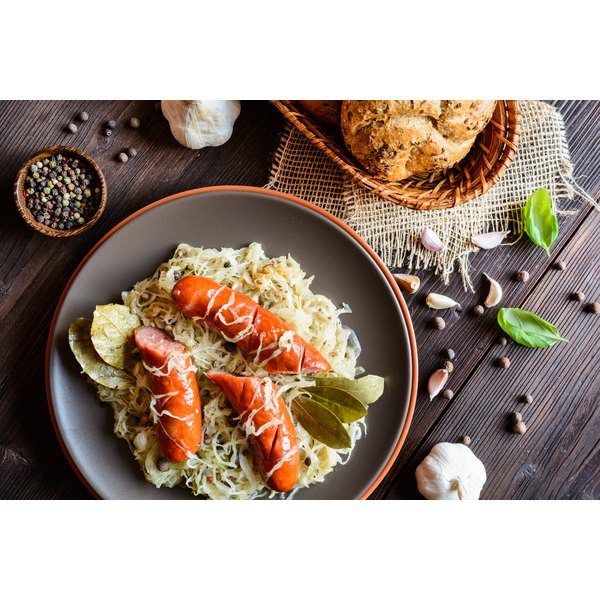 How to Cook Fresh Sauerkraut and Kielbasa in a Slow Cooker