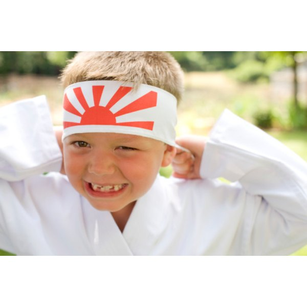 Tie your hachimaki on your head when practicing martial arts.