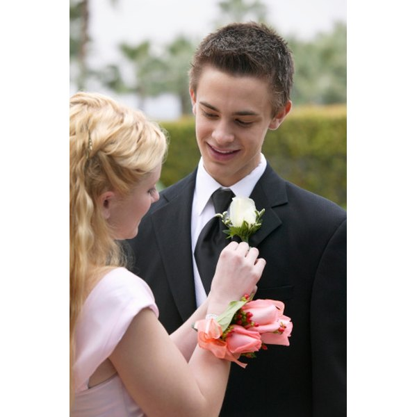 Outdoor prom photos are more difficult to take than those indoors because of the added variables.