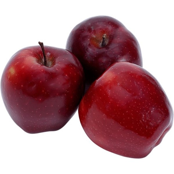Enjoy the fresh-picked taste of apples throughout the year by freezing.