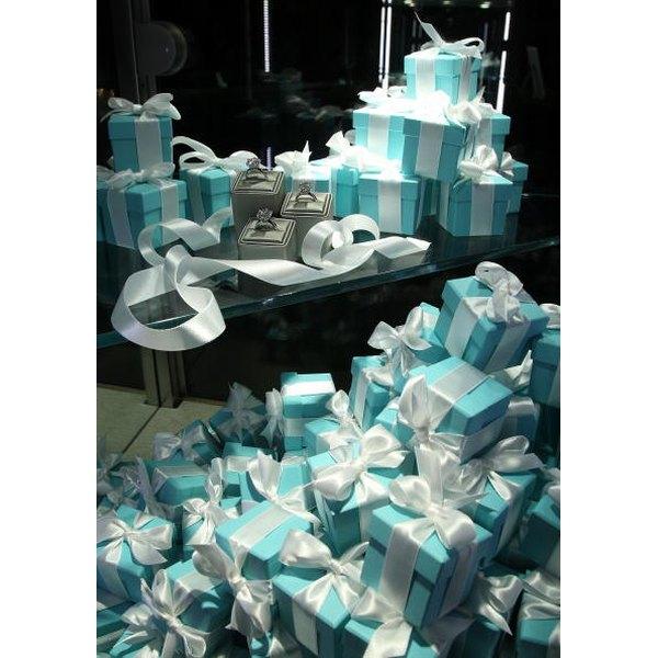Recreate the perfect Tiffany's box.