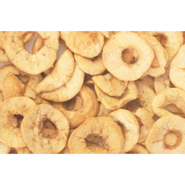 Dried apples contain 145 calories and less than 1 g of fat in a 1-cup serving.