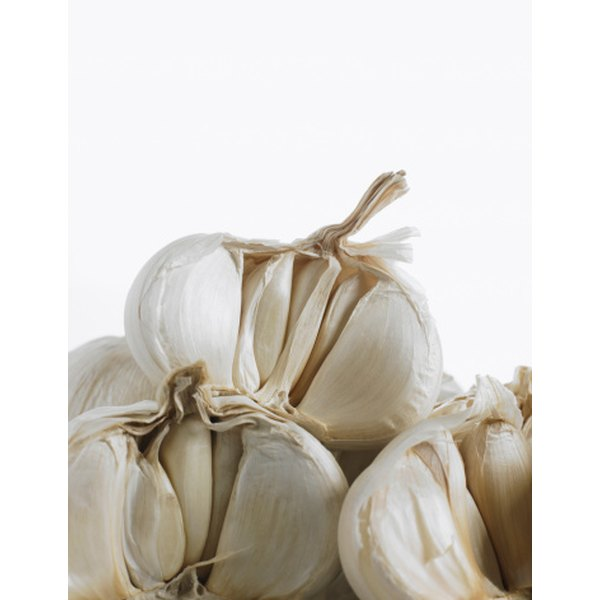 Garlic before breakfast is part of an Ayurvedic diet for psoriasis.