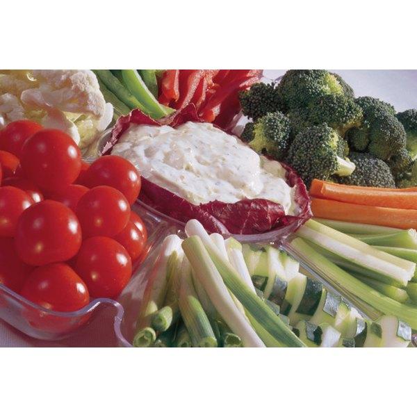Design an attractive vegetable platter.