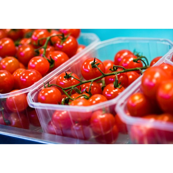 The citric acid in tomato pulp can help loosen blackheads.