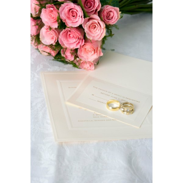 Add an entourage list to honor your wedding party.