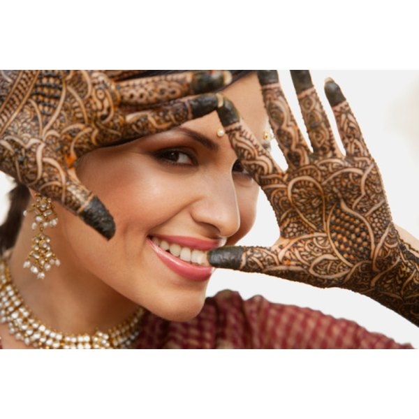 How To Remove Henna Tattoos Quickly