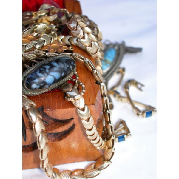 Silpada jewelry comes in many styles, shapes and sizes.