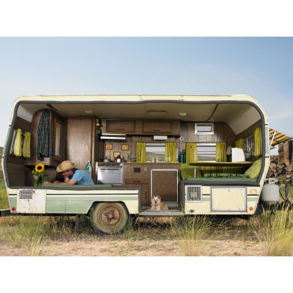 Travel Trailers Small: How To Live In A Small Travel Trailer