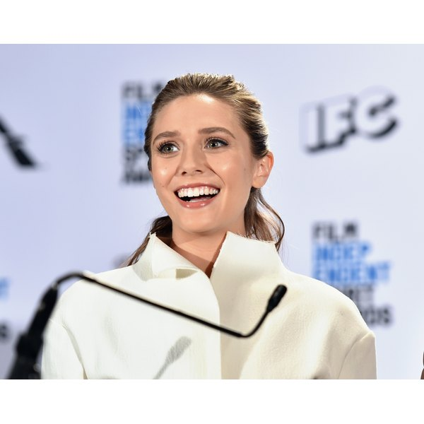 "Find out exactly what Elizabeth Olsen ate to get her ""Avengers"" body."
