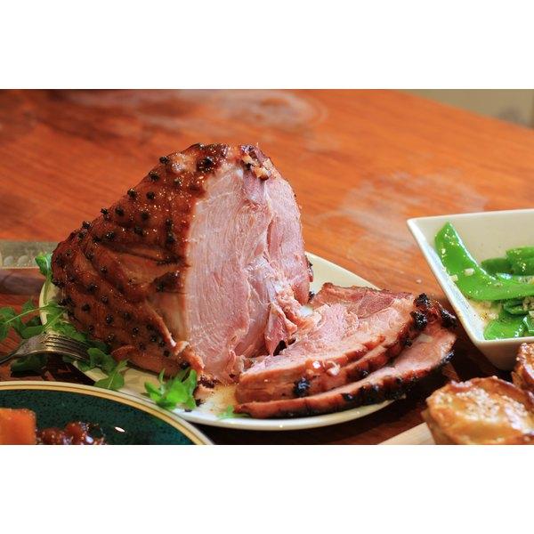 The Difference Between a Spiral-Cut Ham & a Regular Ham