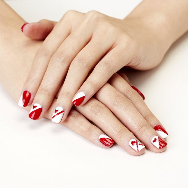 Queen of Hearts Valentine\'s Day Nail Art | Our Everyday Life