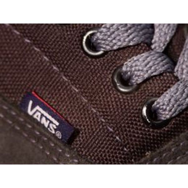 How to Lace Vans Shoes