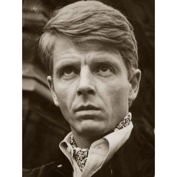 Edward Fox in an ascot tie.