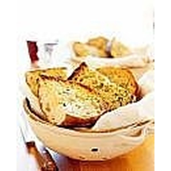 make homemade garlic bread