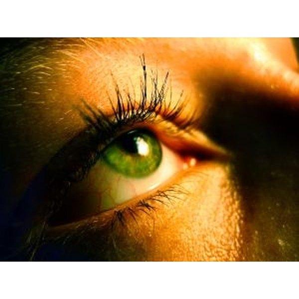 Apply Individual Eyelashes