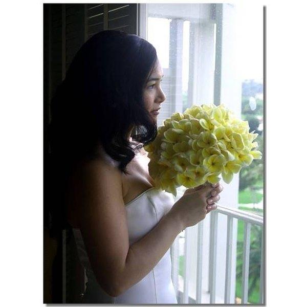 Make Plumeria Wedding Bouquets