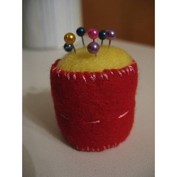 Pin cushion with straight pins