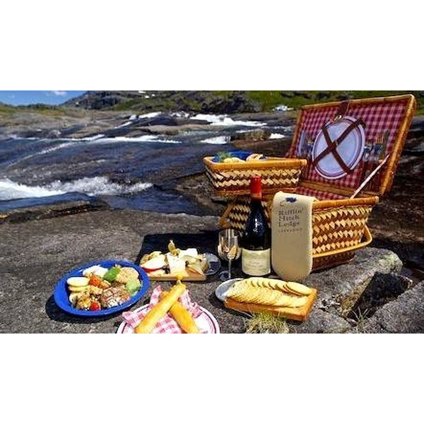 Make memories by crafting your own picnic basket