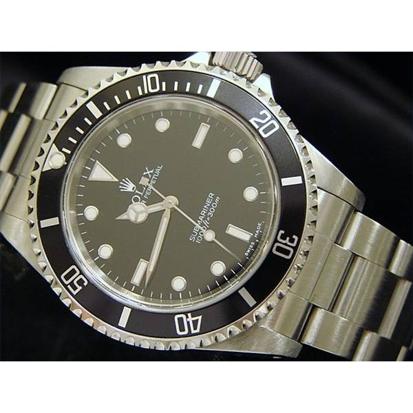 how to wind a rolex submariner our everyday life rh oureverydaylife com Rolex Daytona Rolex Oyster Perpetual Submariner