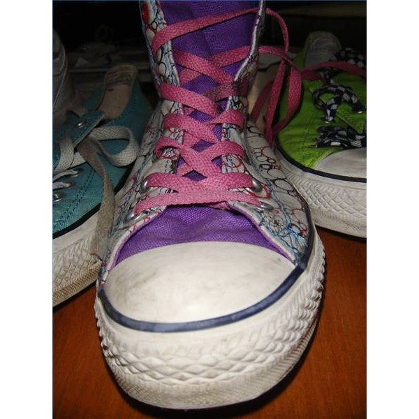 Prevent Tongue Slippage on Laced Shoes